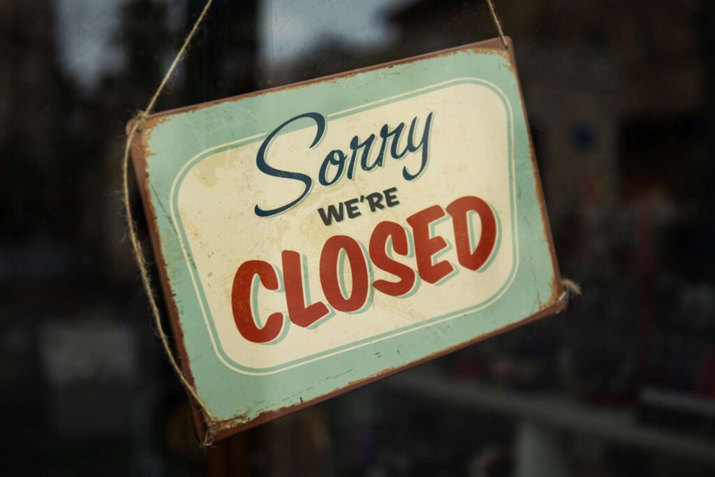 closed sign for blog about What does business interruption insurance cover